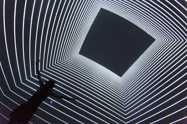 Versus, by Noemi Schipfer and Takami Nakamoto