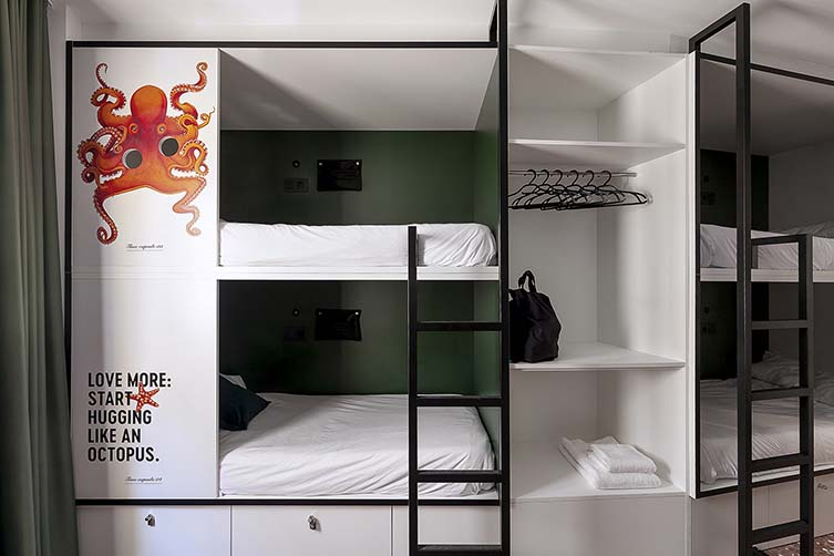 2060 The Newton Hostel & Market Madrid, Plaza Tirso de Molina Design Hostel