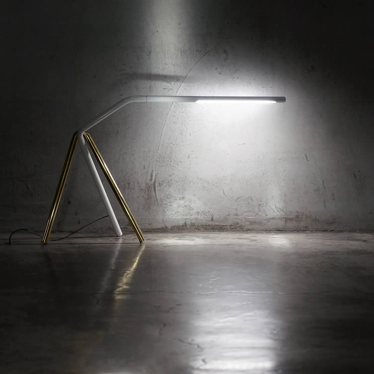 Linear Task Task Light by Ray Teng Pai
