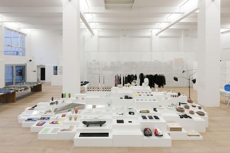 andreas murkudis concept store am m bel architektur berlin. Black Bedroom Furniture Sets. Home Design Ideas