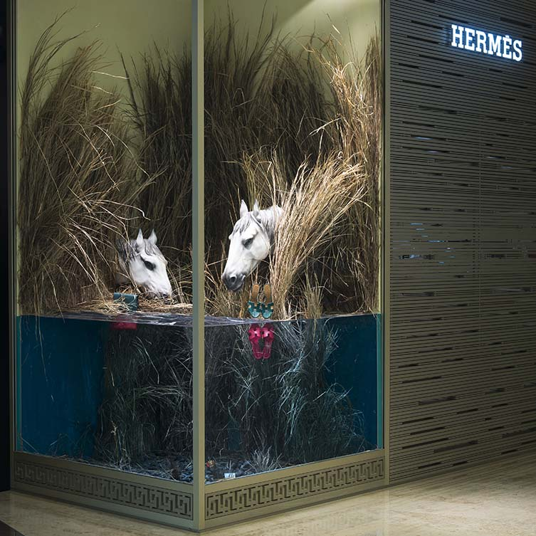 Wild Horses Window Vm Display of Hermès by L'atelier Five is Winner in Interior Space and Exhibition Design Category, 2017 - 2018.