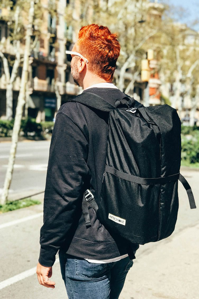 The travel backpack's full-length waterproof zipper means you can reach anything at any time, free from fumbling and unsettling the packing your clothes.