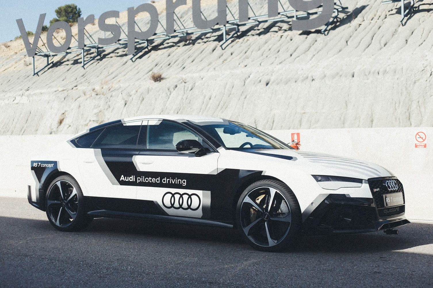 Audi Piloted Driving >> Audi Rs7 Piloted Driving Concept Barcelona