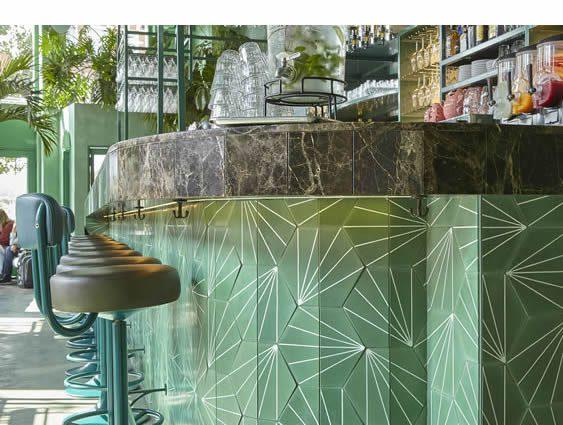 Bar Botanique Cafe Tropique