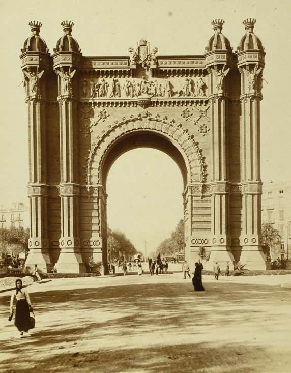 Barcelona's Arc de Triomf in 1888