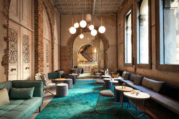 Beta Bar Sydney, Bar at Alpha Restaurant by Hellenic Club and Peter Conistis