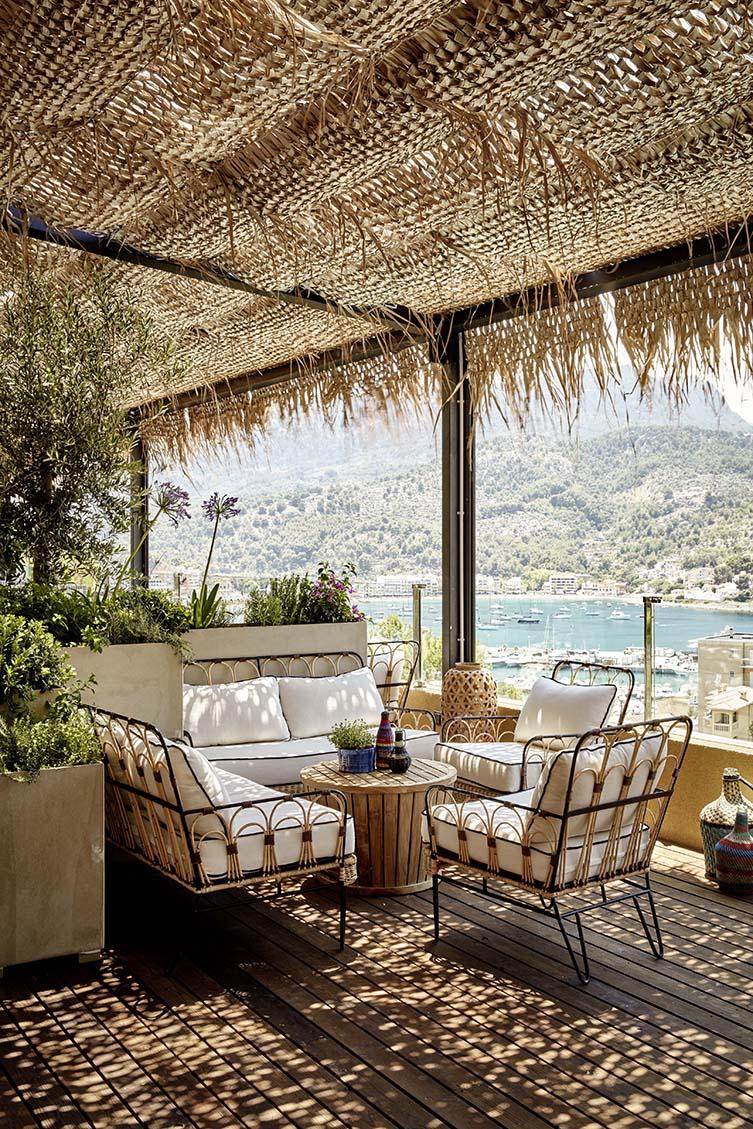 The Bikini Island & Mountain Hotel takes you on a fuzzy trip of vague recollection