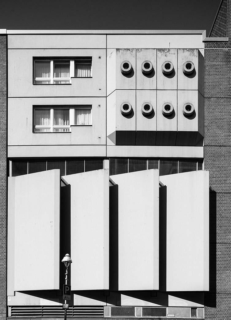 Brutalist Berlin: Parkhaus & Wohnanlage Kirchbachstraße 1–2, Peter Heinrichs, Joachim Wermund, 1977–79