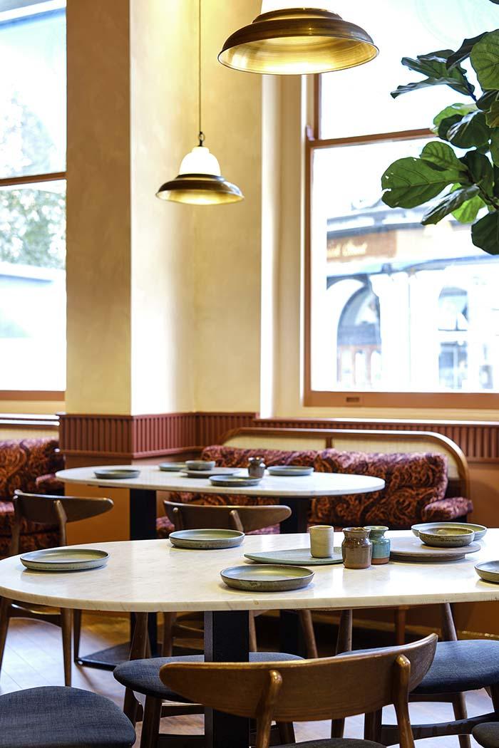 London Indian Restaurant by A-nrd Studio