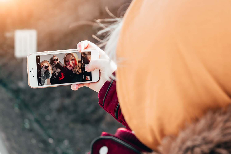Posting Bad Selfies