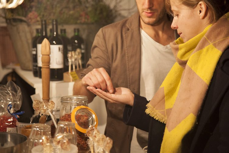 DesignMarketo — Perfume, sir?
