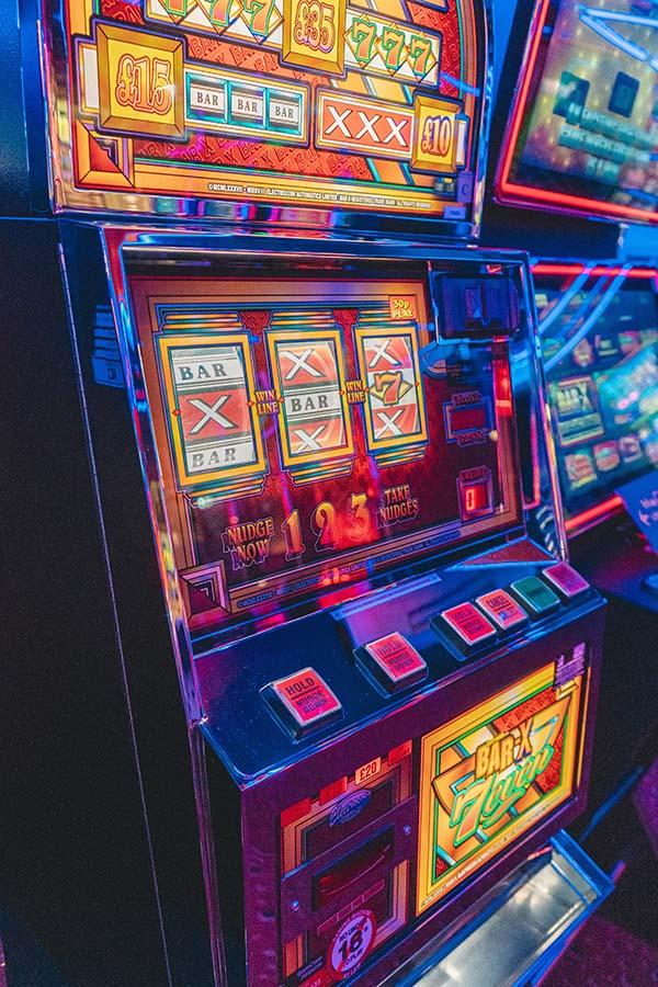 Understanding the Different Variations of Online Slots