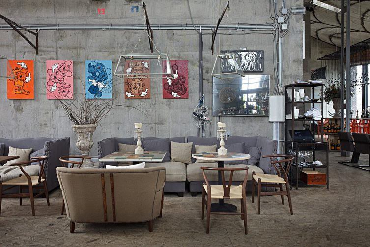 Art bar Door 19 spearheads move to transform Moscow\u0027s riverside warehouse district. & Door 19 and ArtKvartal \u2014 Moscow