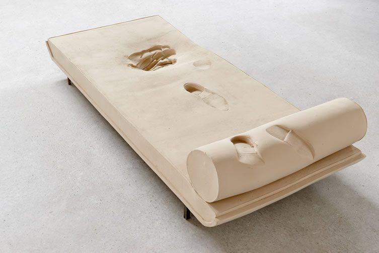 Erwin Wurm, Snow (Chaise Longue)