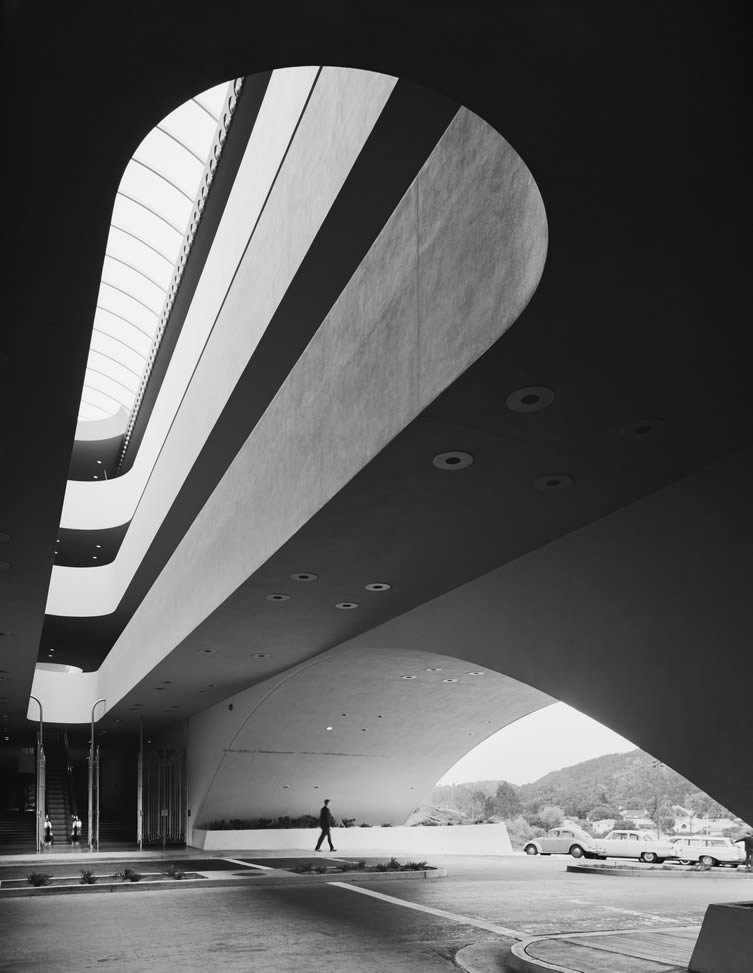 Marin County Civic Center, Frank Lloyd Wright, San Rafael, CA, 1963