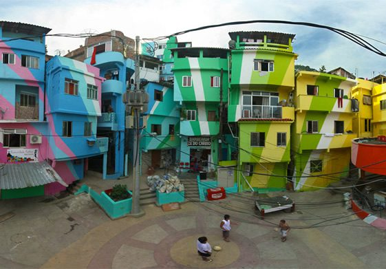 Praça Cantão, Favela Painting