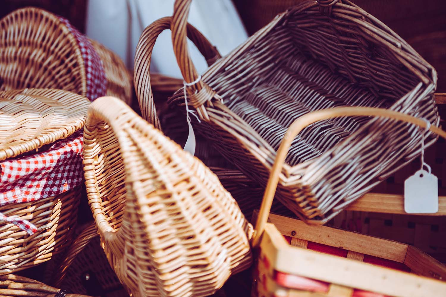 Gift Ideas 101: Food Hampers On The Go