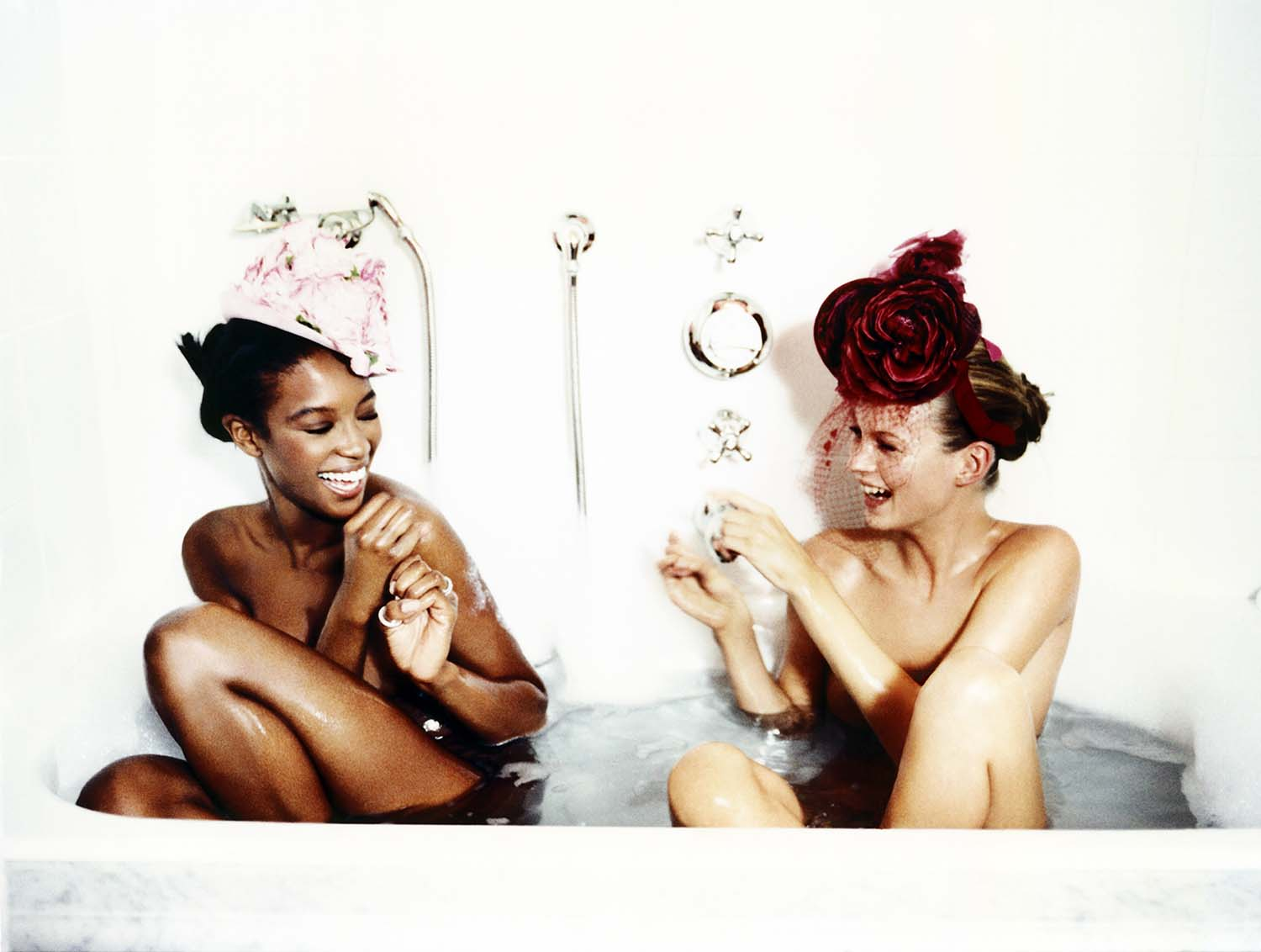 Ellen von Unwerth, Bathtub, Naomi Campbell and Kate Moss