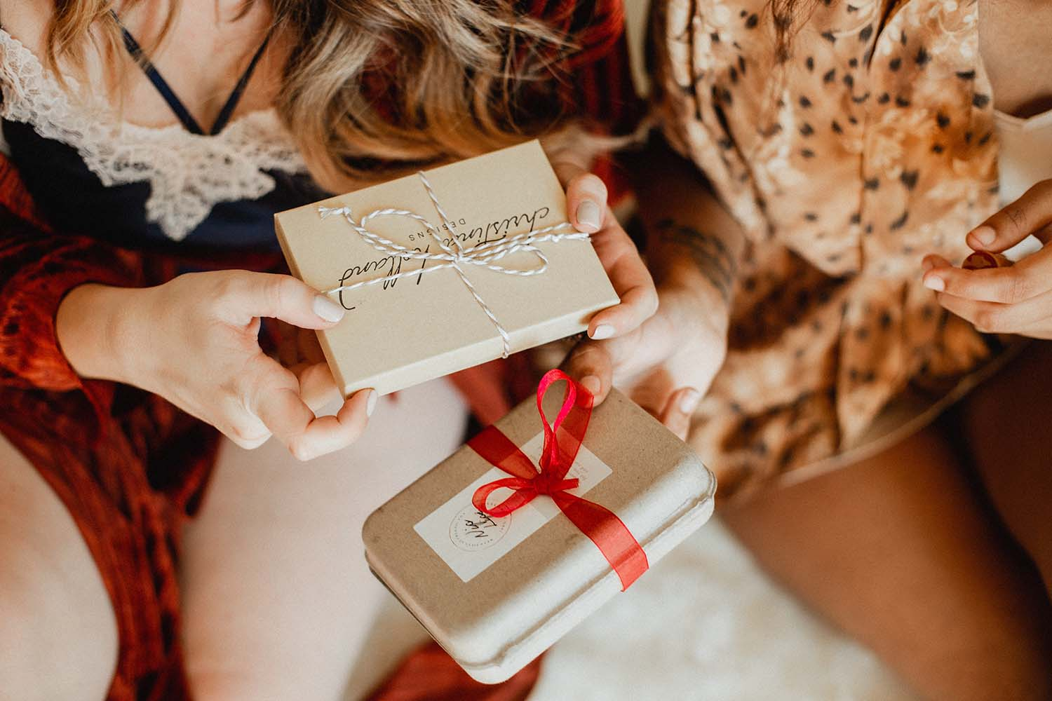Six Thoughtful Gifts to Buy For Loved Ones