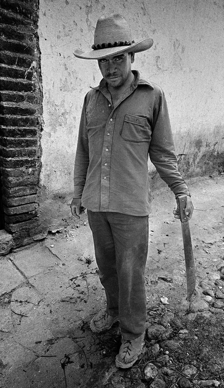 Man Holding Machete, Mineral de Pozos, 1995