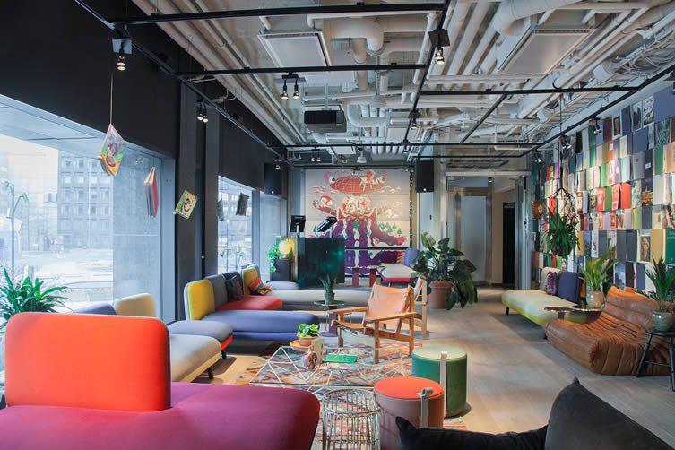 hobo stockholm brunkebergstorg square hotel by studio aisslinger. Black Bedroom Furniture Sets. Home Design Ideas