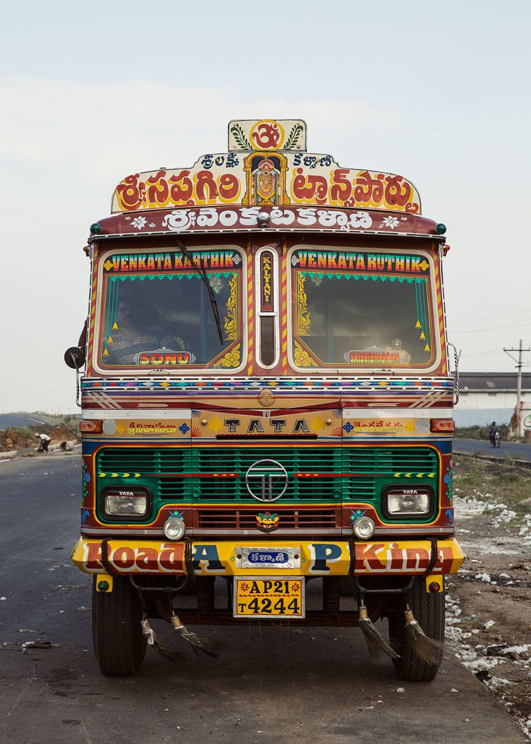 Dan Eckstein — Horn Please: The Decorated Trucks of India