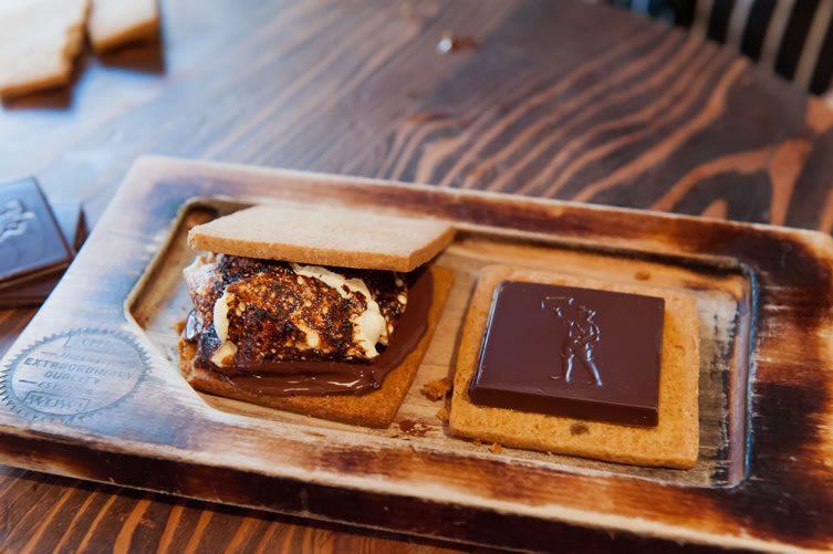 Hot Cakes Molten Chocolate Cakery
