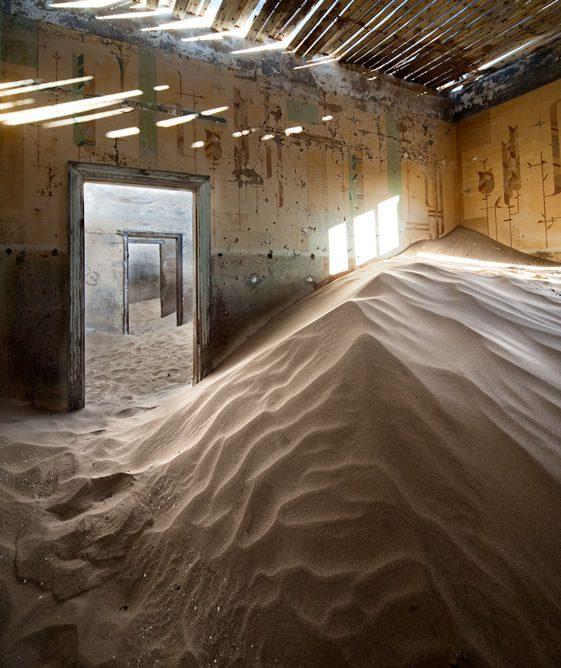 Desert Indoors by Alvaro Sanchez-Montañes