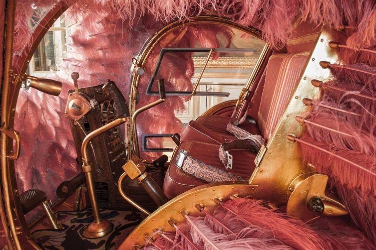 Joana Vasconcelos — Time Machine