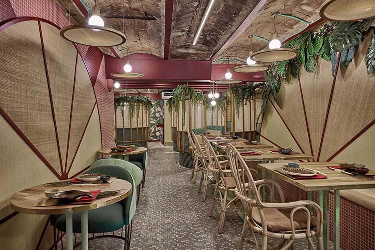 Kaikaya Valencia, Tropical Sushi Restaurant Designed by Masquespacio