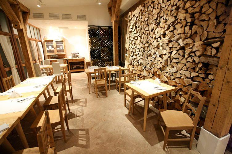 Wood's Good at Lacrimi si Sfinti, Bucharest