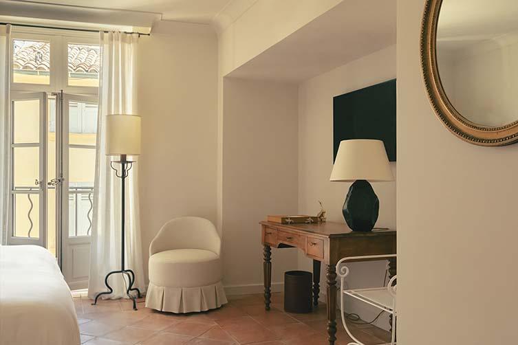 Hotel Restaurant Saint Tropez, by Fabrizio Casiraghi