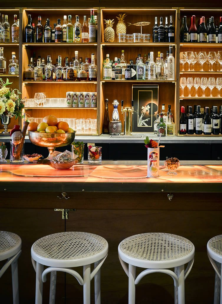 Leo's Oyster Bar San Francisco: 568 Sacramento Street Financial District