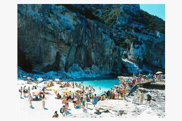 Massimo Vitali at Ronchini Gallery, London