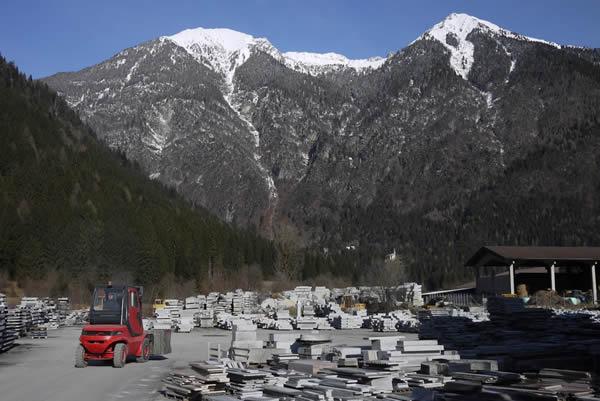Max Lamb, Campione Chair for Pedretti Graniti with Trentino Collaborations