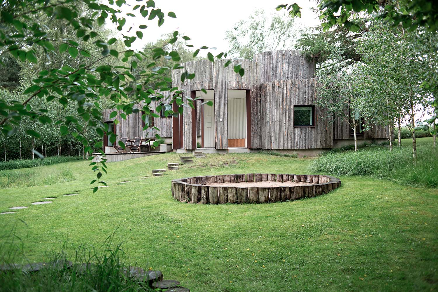 Architectural Features for a Modern Garden