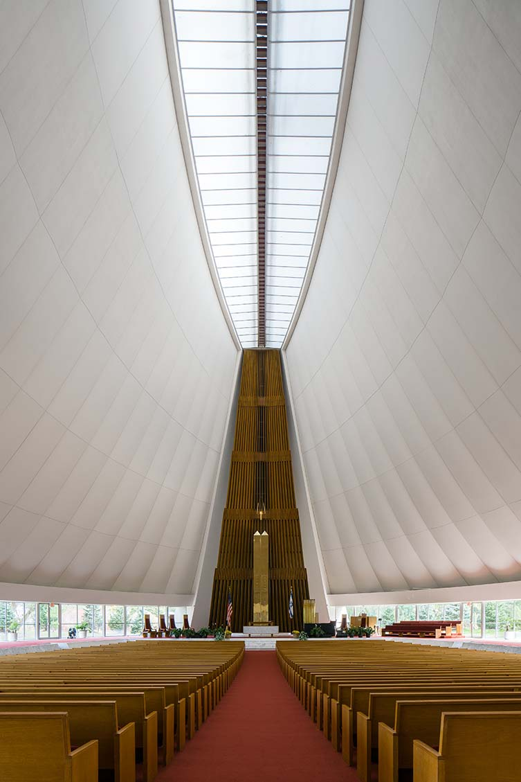 Temple Beth El by Minoru Yamasaki and Associates