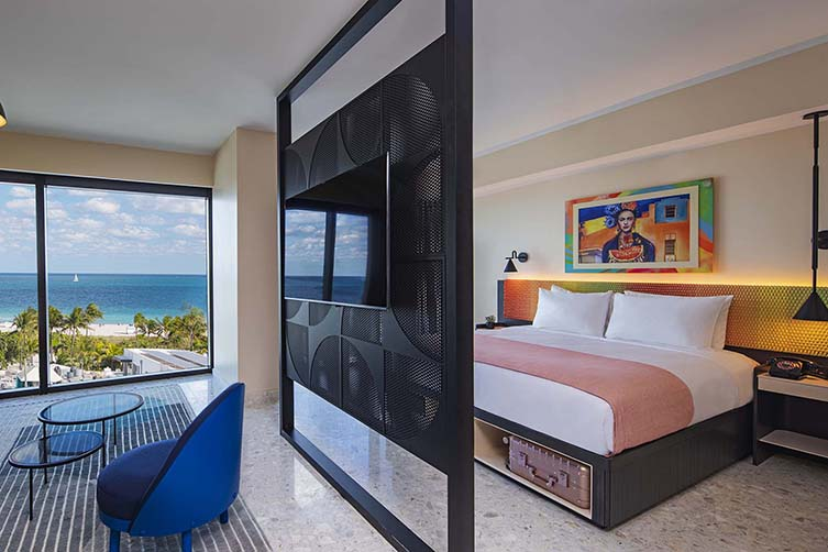 Moxy South Beach, Miami Design Hotel