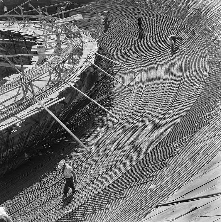 Oscar Niemeyer's Brasília, Construction Photographs