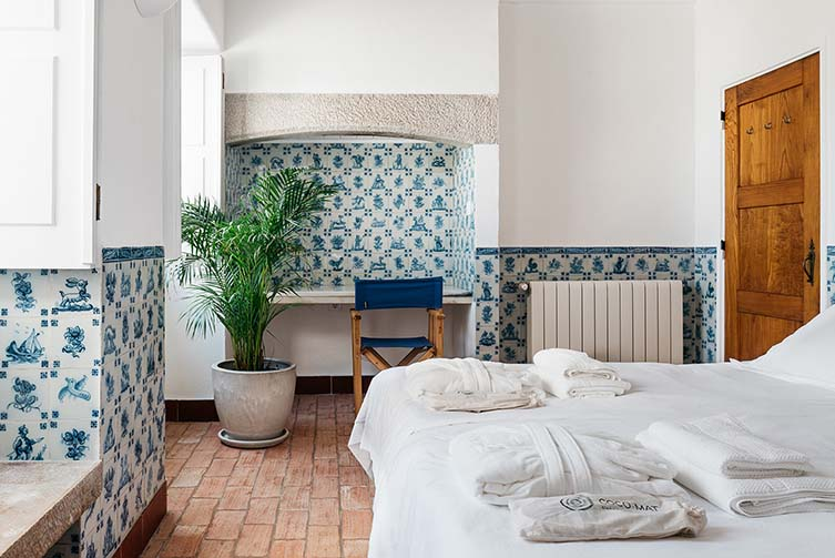 OUTPOST - Casa das Arribas, Azenhas do Mar Design Apartments Raul Lino