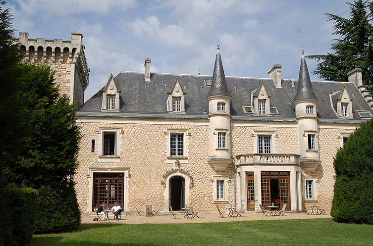 The chic Château soiree