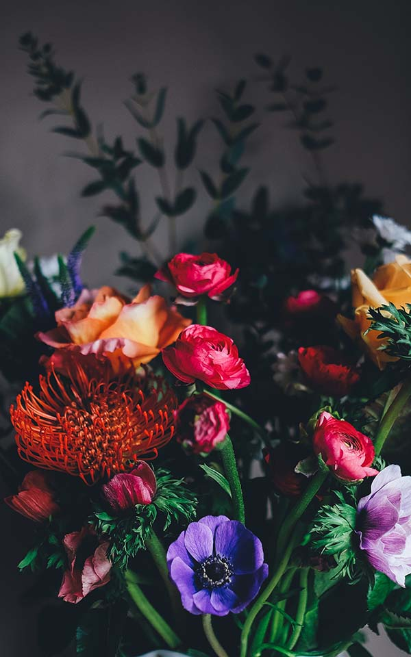 How To Pick The Right Seasonal Flowers To Send On Specific Occasions