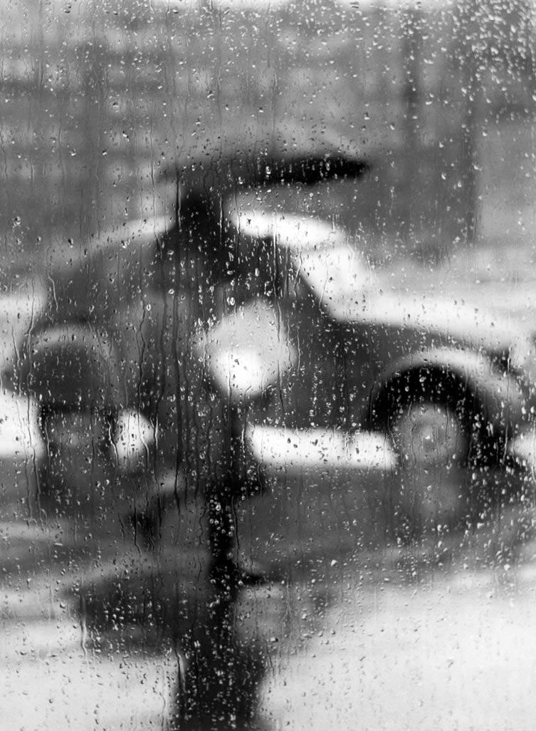 2CV sous la pluie, Paris, 1957