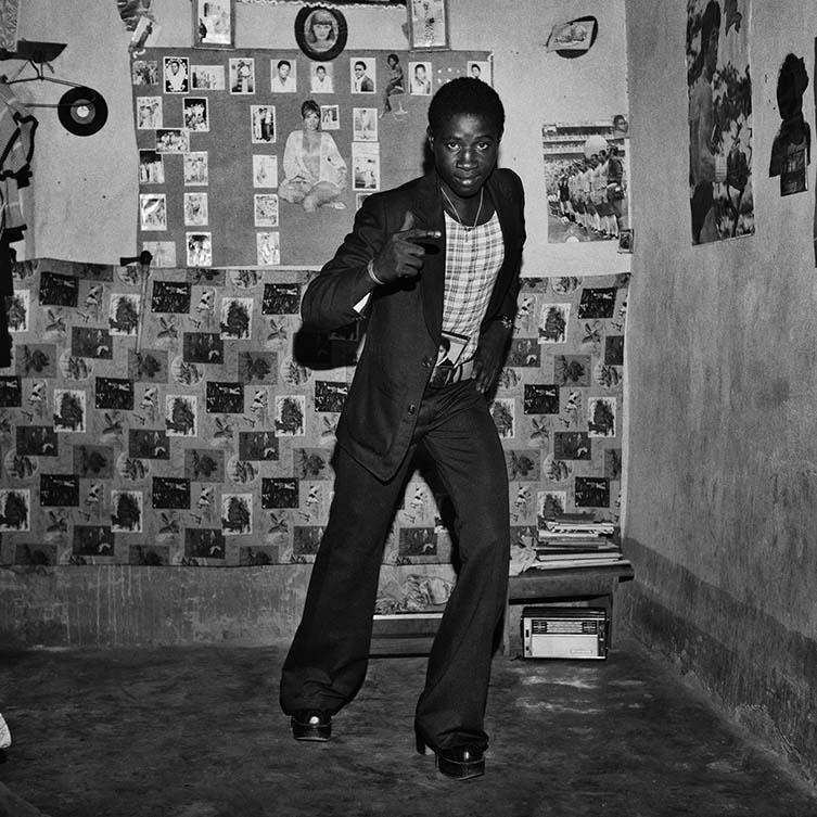 Le malien et ses chaussures têtes de nègre, 1975