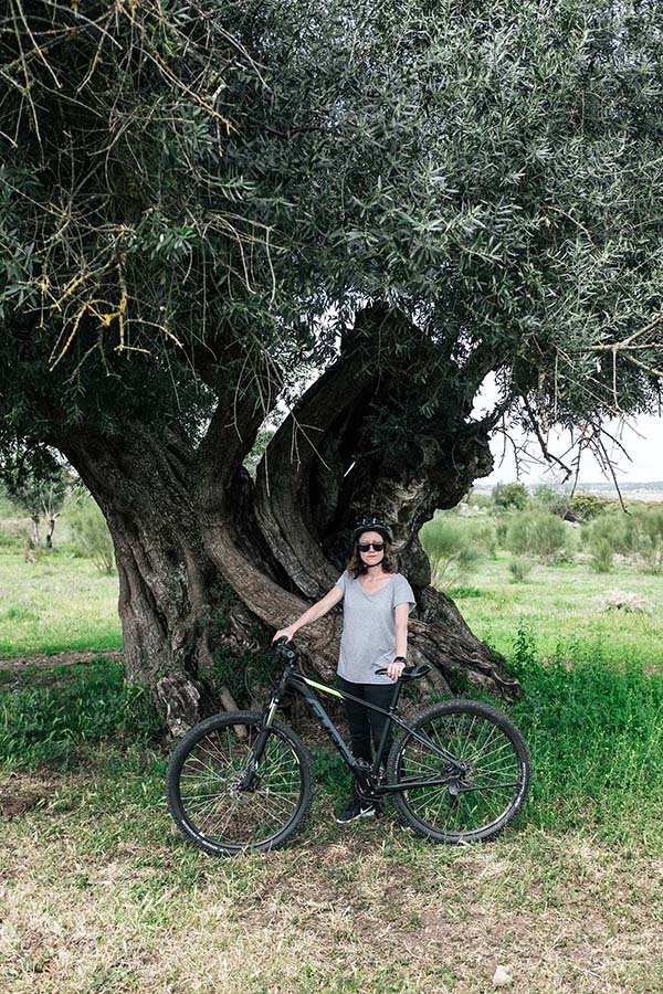 Grab a bike and explore—an illustrated map will guide you through vineyards and olive groves, past ancient holm oak trees, Neolithic dolmen and menhirs that date back 7,000 years