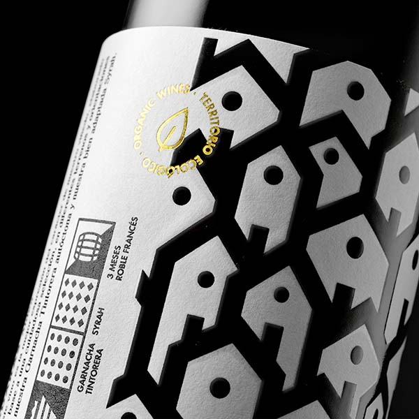 Adaras Organic Wine Wine Family by Estudio Maba, Winner in Packaging Design Category, 2018—2019