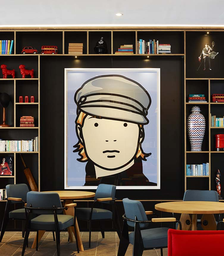Julian Opie's Kate, Model with Hat at citizenM Tower of London Hotel