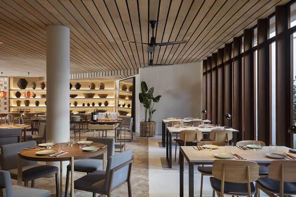 Spot Palma, Mallorca Restaurant by En Compañía de Lobos / Studio Tarruella Trenchs