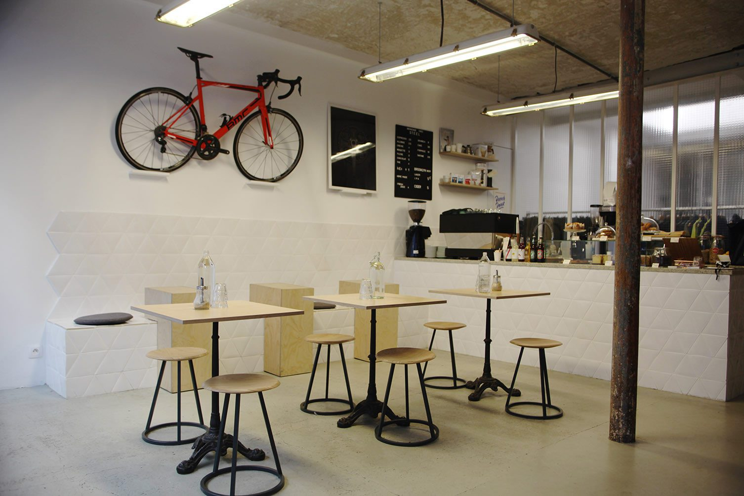 cae9b249a2f Steel Cyclewear & Coffeeshop, Paris