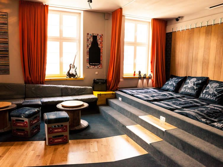 superbude st pauli hostel hamburg st pauli design hotel schanze. Black Bedroom Furniture Sets. Home Design Ideas